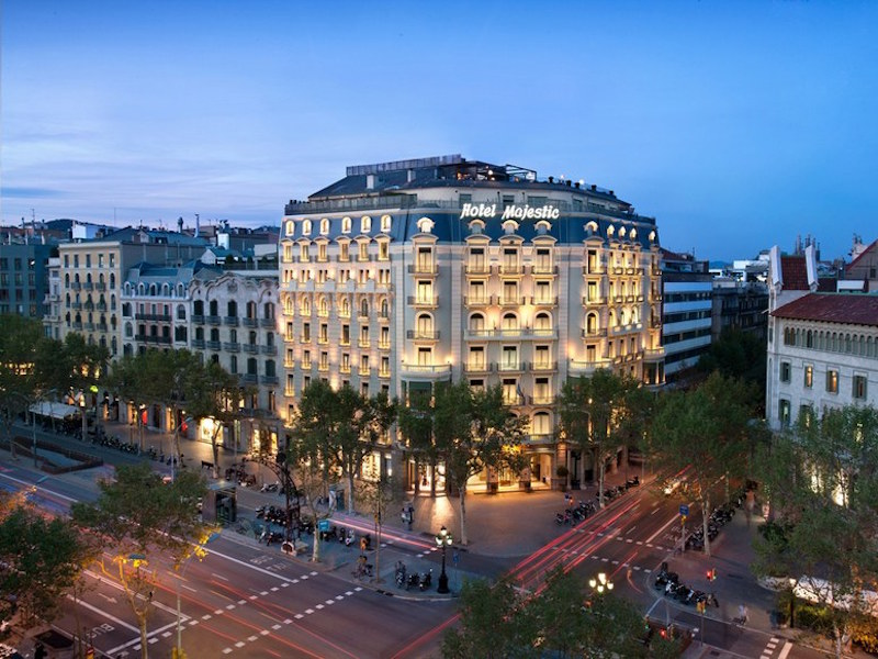 Save up to 57 at the majestic hotel spa paris luxury for Hotel paris barcelona